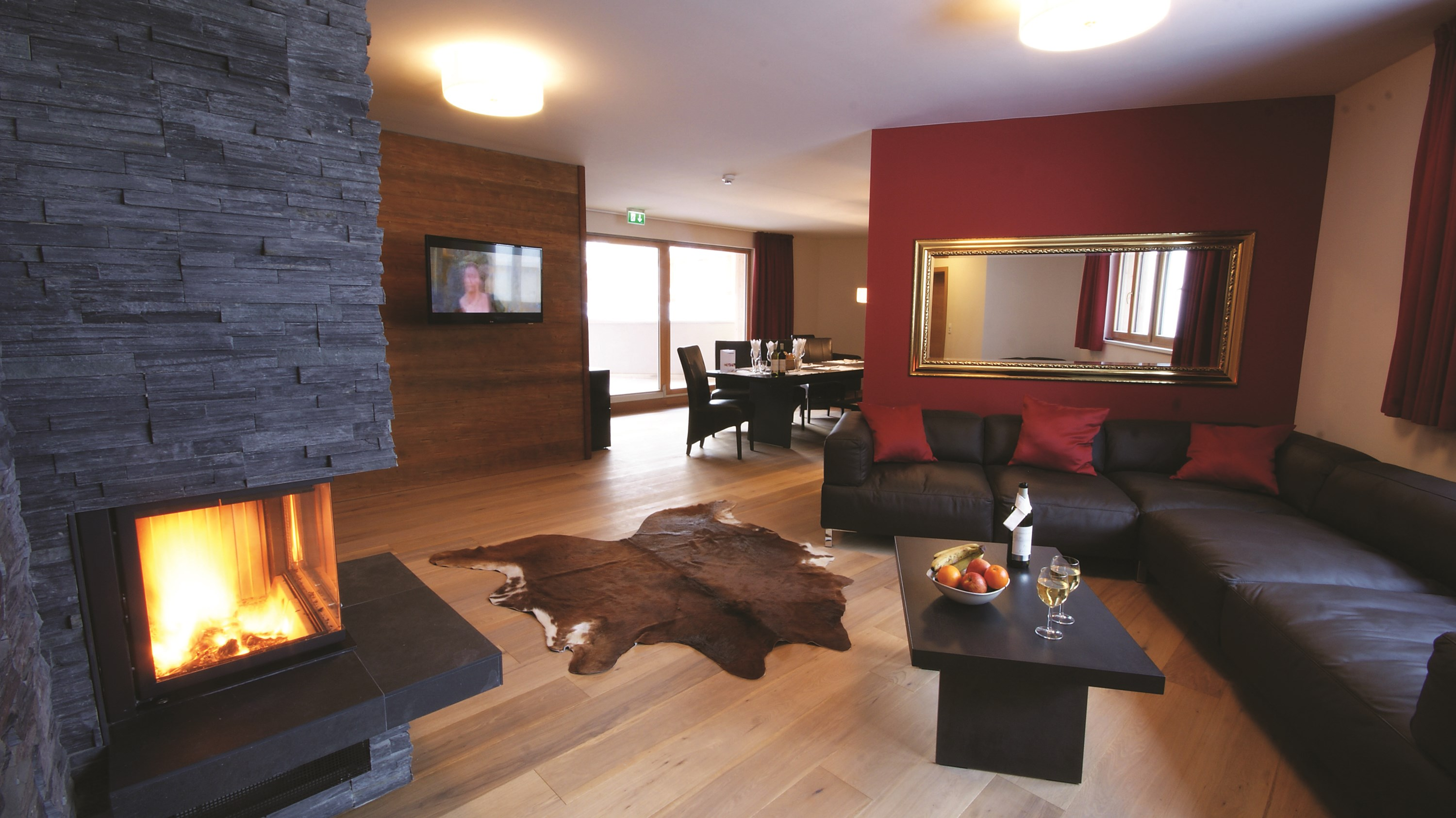 Mountain-Lodge- Chalets- lounge.jpg